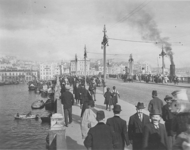 December Archive: A Day Out – Constantinople 1919