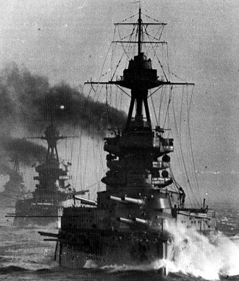 HMS_Benbow-battleline