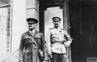 Holman (left) with a White Army officer. Image:IWM.