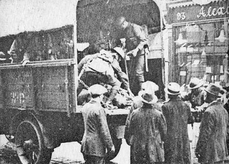 09Treacy-dead-lorry